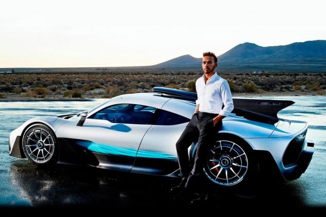 Lewis Hamilton con el Mercedes-AMG Project One - SoyMotor.com