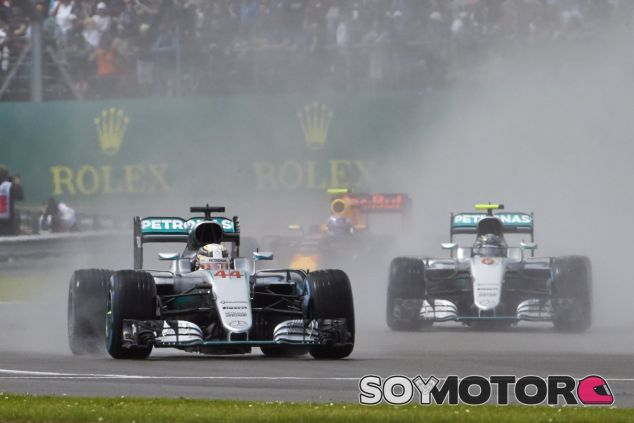 Sólo 1 punto separa a Hamilton y Rosberg en el Campeonato de Pilotos - LaF1