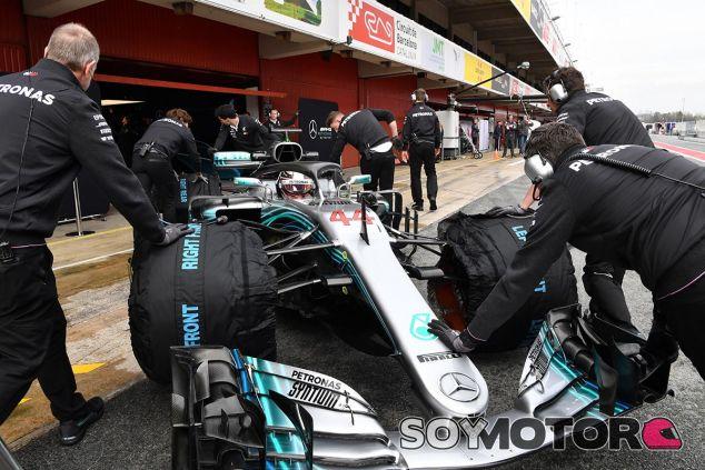 Lewis Hamilton, hoy en el Circuit de Barcelona-Catalunya - SoyMotor