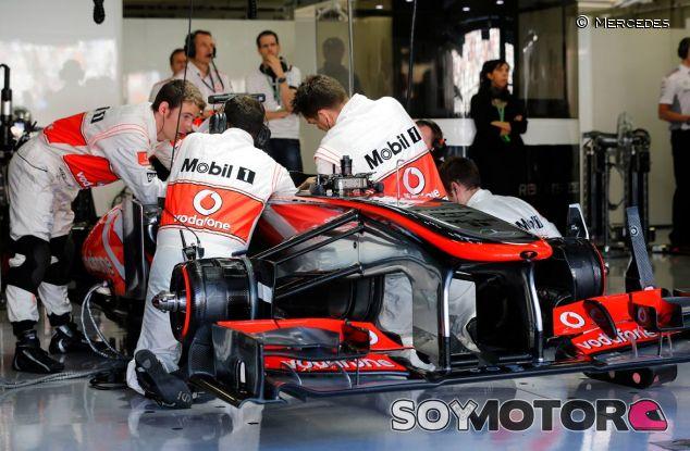 Mecánicos de McLaren en el GP de Japón - LaF1