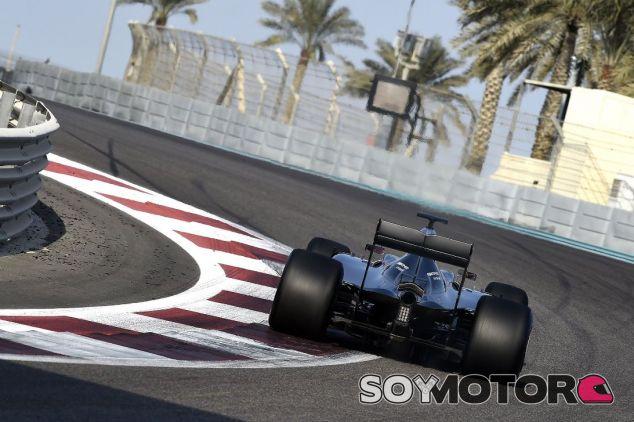 Mercedes en los test post temporada en Abu Dabi - SoyMotor