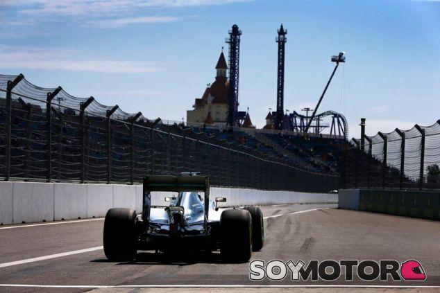 Mercedes sufre el enésimo problema en el motor de Hamilton - LaF1