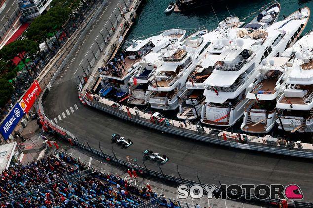 Lewis Hamilton y Nico Rosberg, hoy en Mónaco - LaF1