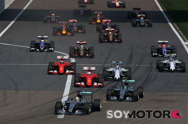 Salida del Gran Premio de China 2015 - LaF1