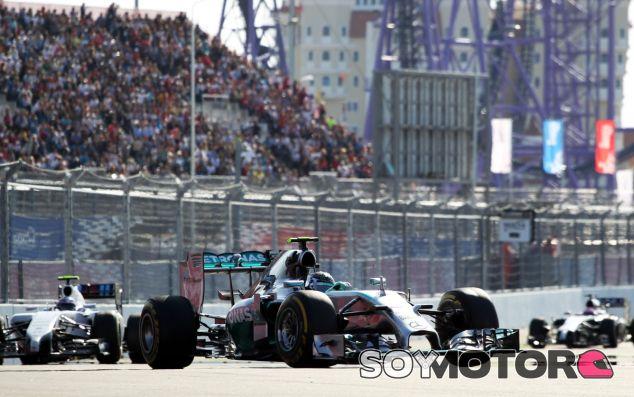 El Mercedes de Rosberg en primer plano en el GP de Rusia - LaF1