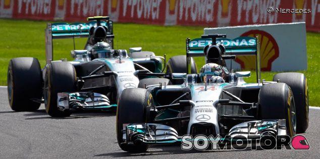 Mercedes prohibió a sus pilotos comunicarse después del GP de Bélgica