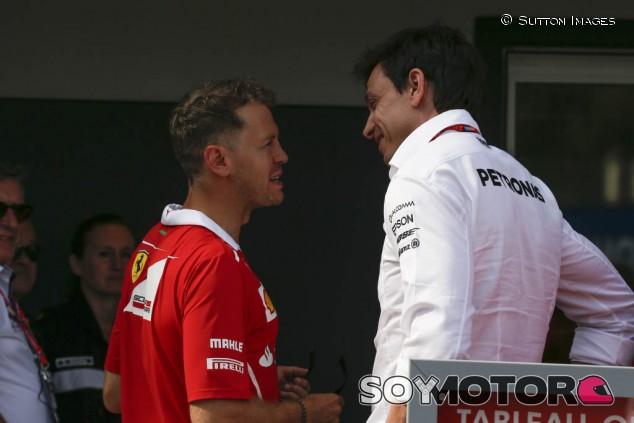 """Mercedes no cierra la puerta a Vettel: """"Uno de nuestros pilotos podría decidir irse de la F1"""" - SoyMotor.com"""