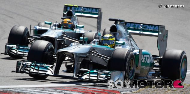 Nico Rosberg y Lewis Hamilton en Nürburgring