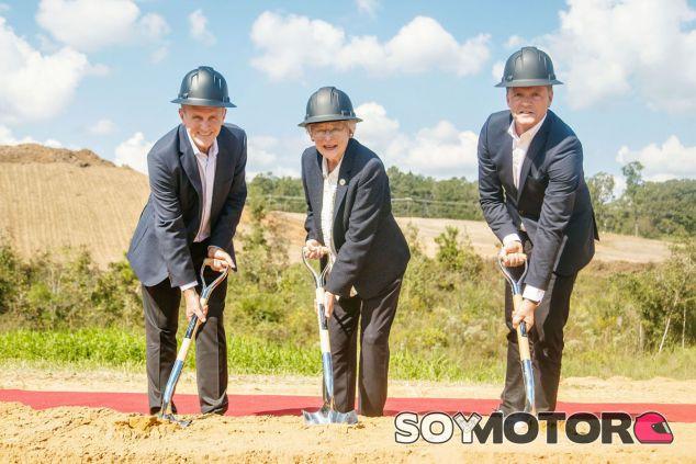 Acto de inicio de las obras de la factoría de baterías de Mercedes en Alabama - SoyMotor.com