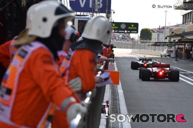 Mercedes y Ferrari, a punto de salir a clasificar –SoyMotor.com