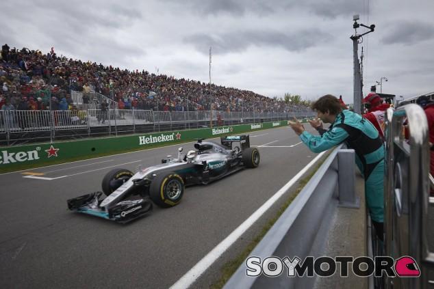 Lewis Hamilton celebra la victoria en Canadá - La F1