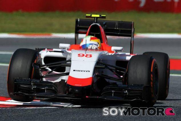 Roberto Merhi con el Manor en Barcelona - LaF1