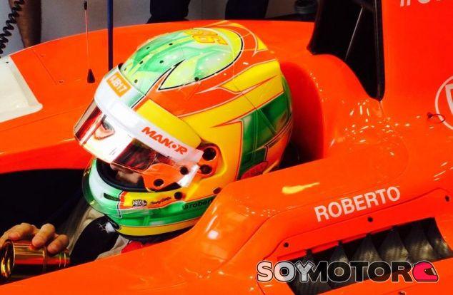 Roberto Merhi subido en el Manor durante los libres de Hungría - LaF1