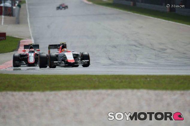 El Manor por delante del MP4-30 de McLaren-Honda - LaF1.es