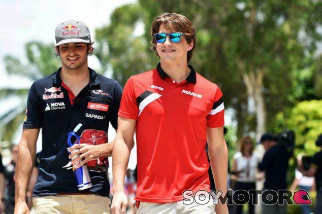Roberto Merhi junto con Carlos Sainz Jr. en Sepang - LaF1.es