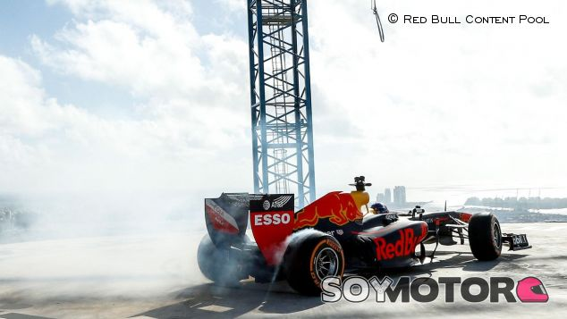David Coulthard con el RB7 en Miami - SoyMotor.com