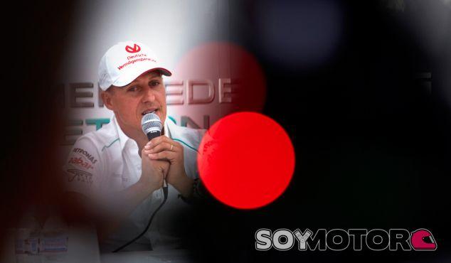 La prensa alemana insinúa que despertarán a Schumacher del coma la próxima semana