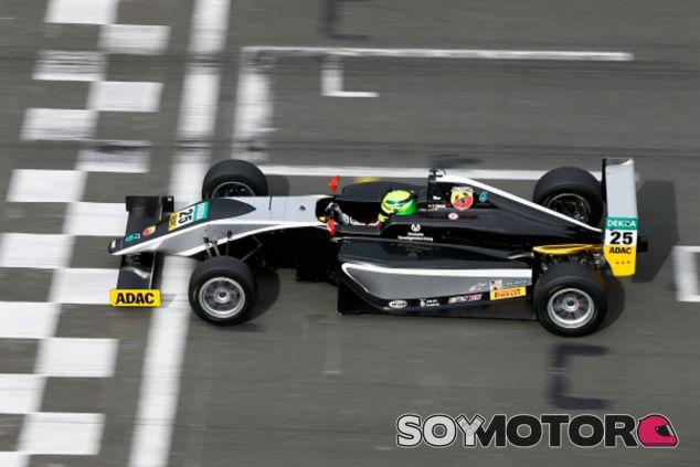 Mick Schumacher hace una prueba con un F3 - LaF1