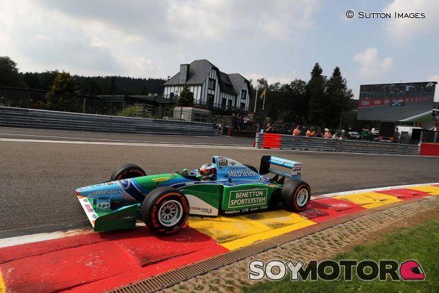 Mick Schumacher, con el Benetton B194 de Michael - SoyMotor