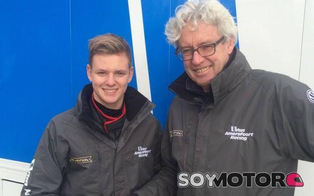 Mick Schumacher, de 15 años de edad, avanza camino de la Fórmula 1 - LaF1