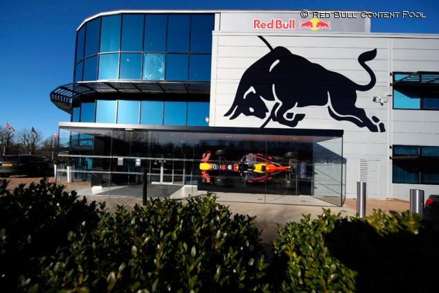 Red Bull Powertrains se hace grande con cinco hombres Mercedes - SoyMotor.com