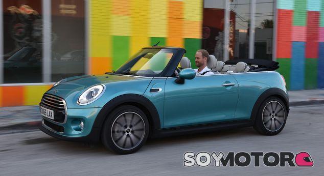 El Mini Cabrio está pensado para ir descapotado durante todo el año - SoyMotor