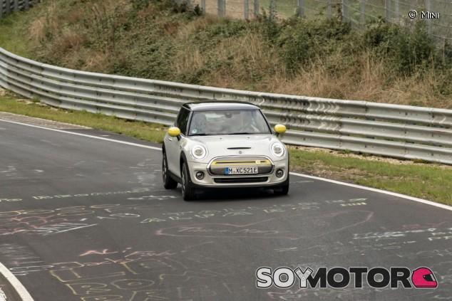 Mini Cooper SE: el clásico se electrifica - SoyMotor.com
