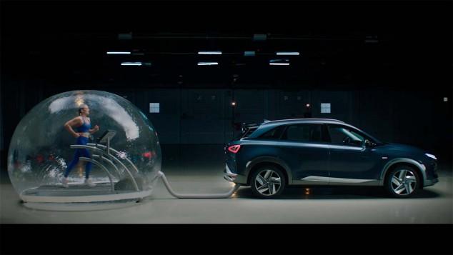 Mireia Belmonte respira las emisiones del Hyundai Nexo - SoyMotor.com