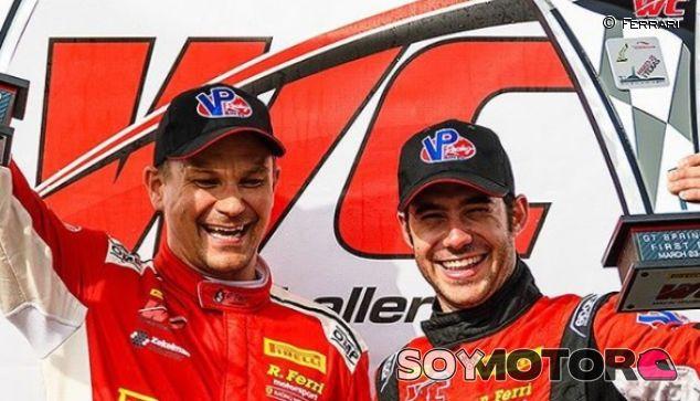 Miguel Molina y Toni Vilander en el podio - SoyMotor.com