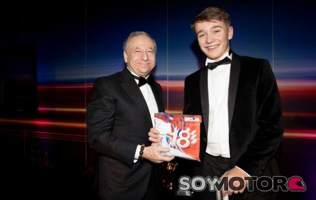 Jean Todt y Billy Monger en la gala de premios de la Motor Sport Association - SoyMotor.com