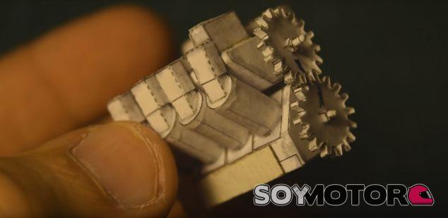 Motor V8 de papiroflexia - SoyMotor
