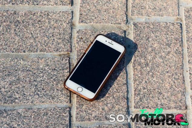 El teléfono de Lyndsay Tucker, la protagonista de esta historia - SoyMotor.com
