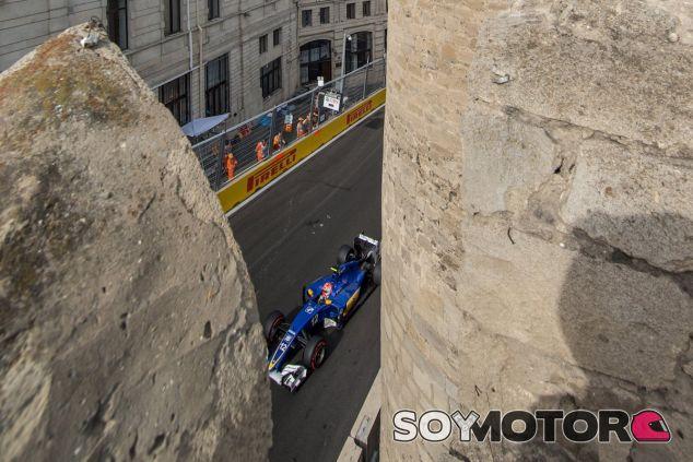 Felipe Nasr durante la clasificación en Bakú - LaF1