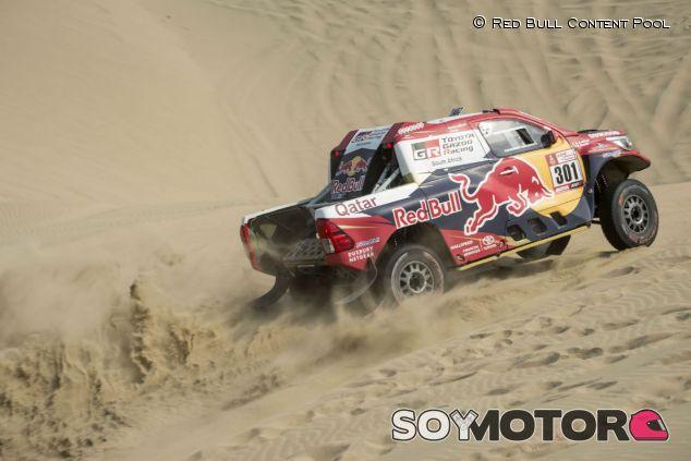 Nasser Al Attiyah durante la tercera etapa del Dakar 2018 - SoyMotor.com