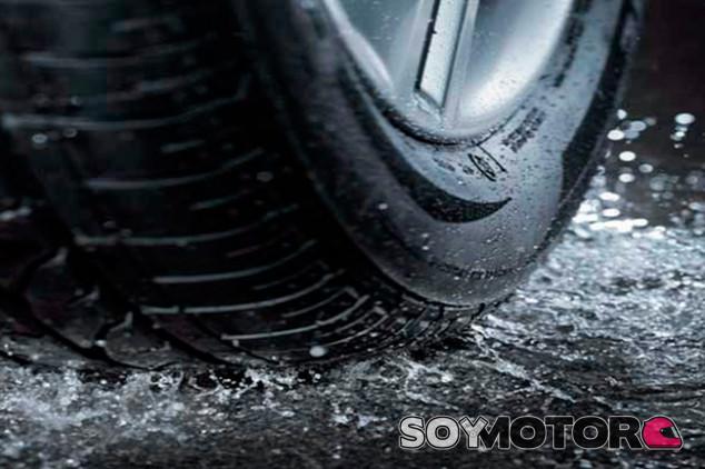 Consejos prácticos para conducir bajo un tormenta - SoyMotor.com