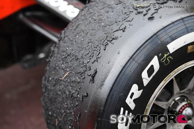 Pirelli cree que volver a los neumáticos 2018 no ayudaría a los equipos - SoyMotor.com