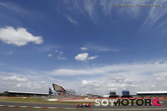 Escena del circuito de Silverstone - SoyMotor