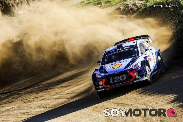Thierry Neuville durante el primer tramo del Rally de Portugal - SoyMotor.com