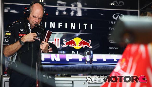 "Ferrari hizo una oferta ""absurda"" a Newey, según Marko"