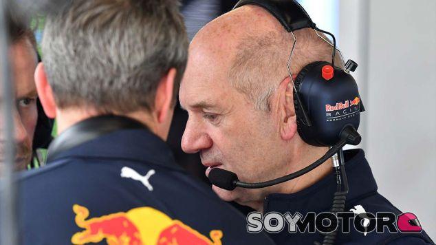 """Horner compara la visita de Newey al GP de España con """"ir al médico"""" - SoyMotor.com"""