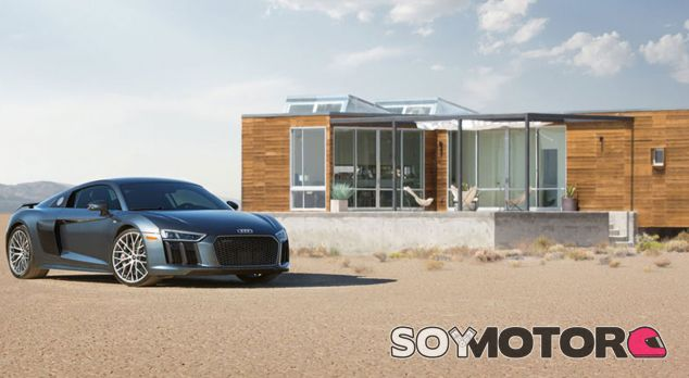 Casa de lujo y Audi R8 en la puerta. ¿Se puede pedir algo más? - SoyMotor