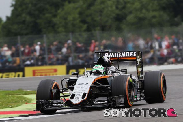 Nico Hülkenberg durante la clasificación en Silverstone - LaF1