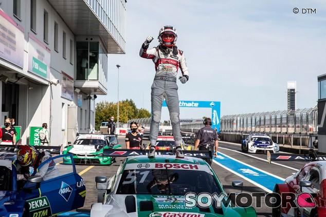 Nico Müller celebra su victoria en Nürburgring - SoyMotor.com