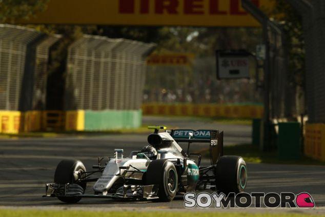 Nico Rosberg hizo una demostración de pilotaje en Albert Park - LaF1