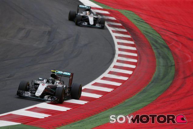 Los pilotos de Mercedes tienen una gran rivalidad desde 2014 - LaF1