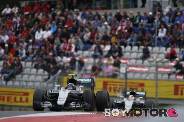 La pelea entre los pilotos de Mercedes genera mucho interés en todo el paddock - LaF1