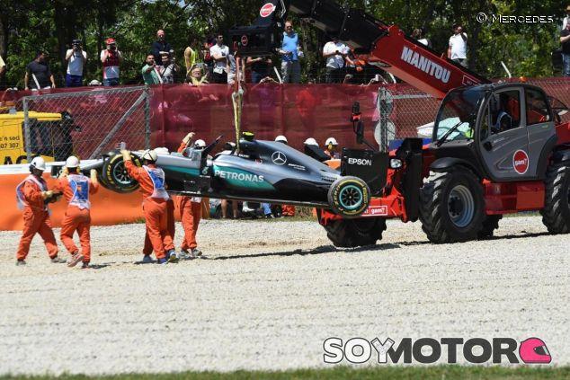 El accidente entre los Mercedes dará mucho de qué hablar - LaF1