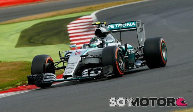 Mercedes niega que hagan un 'filming day' para desvelar el W07 - LaF1