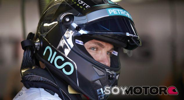 Lauda zanja la polémica y anuncia la continuidad de Rosberg - LAF1.es