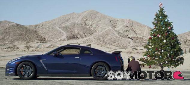 Nissan GT-R árbol Navidad -SoyMotor